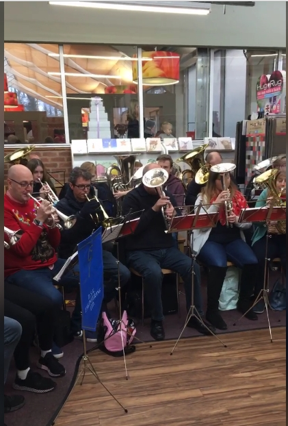 Gresley Youth Band welcomes in the Christmas Season at Berkley